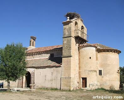Exterior de la iglesia de Pelayos del Arroyo