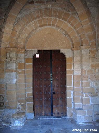 Iglesia de Larraya: puerta