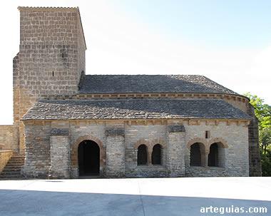 La iglesia de Larraya desde el sur