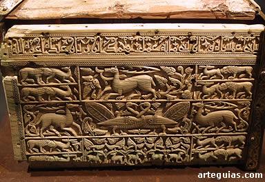Placa tallada de marfil de la Arqueta de Silos (elaborada en la Taifa de Cuenca en el siglo XI)