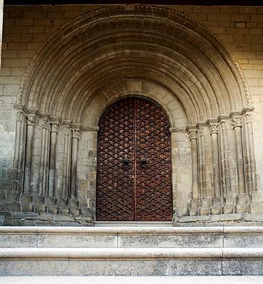 Puerta tardorrománica