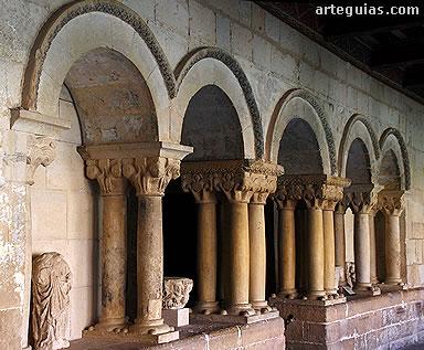 Entrada a la sala capitular del Monasterio románico de Santo Domingo de Silos