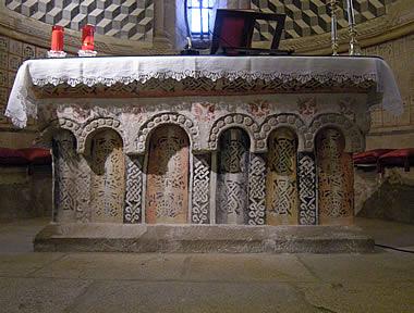 Santa María de Melide: mesa de altar
