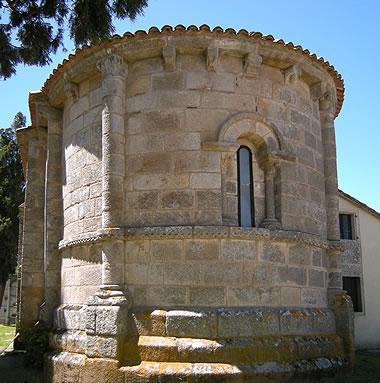 Iglesia de Santa María de Melide: ábside románico