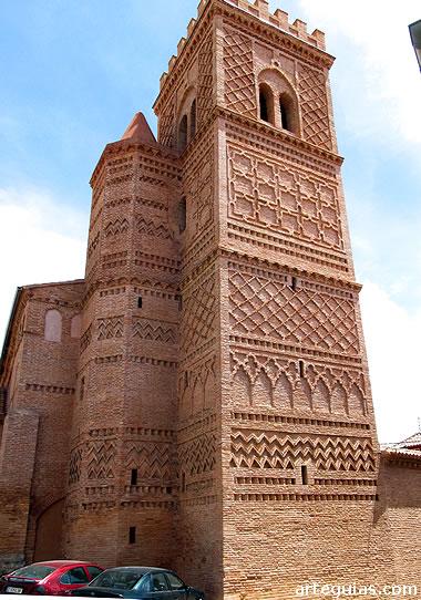 La de Villar de los Navarros es una de las torres más espectaculares de Campo de Daroca