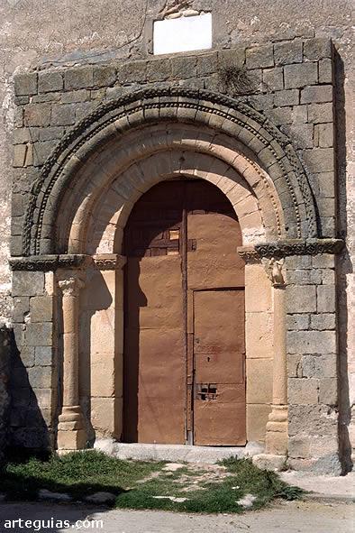 Puerta románica. Iglesia de Villovela de Pirón