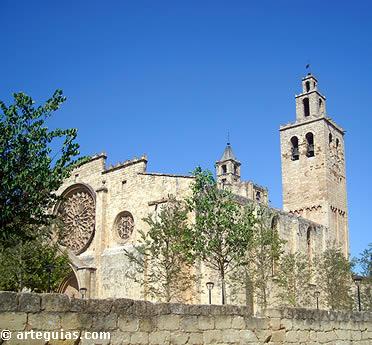Torre y costado sur del monasterio