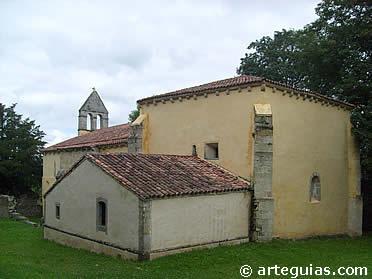 Exterior de Santa Eulalia de Abamia