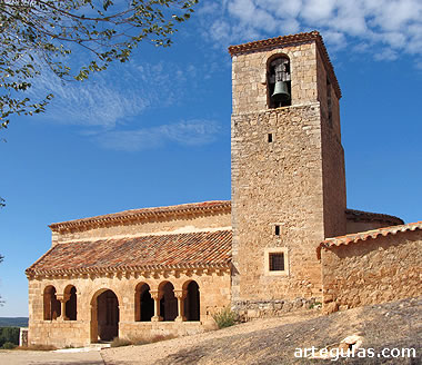 Iglesia de Aguilera, Soria, desde el sur