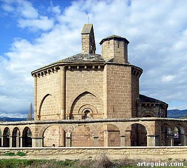 Iglesia de Santa María de Eunate, a poca distancia de Olcoz
