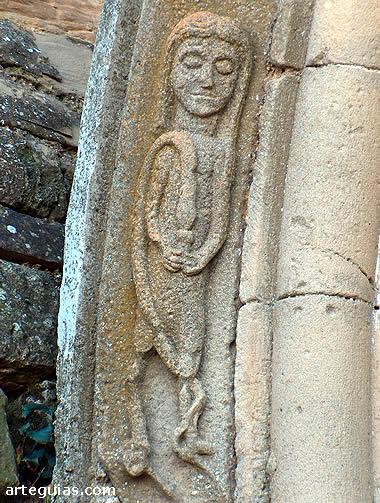 Mujer con serpiente