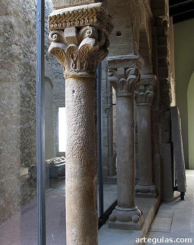 Panda del antiguo claustro románico