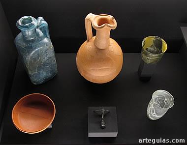 Vasijas y utensilios de época romana