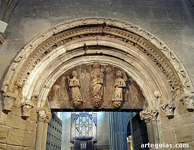 Puerta de acceso a la catedral