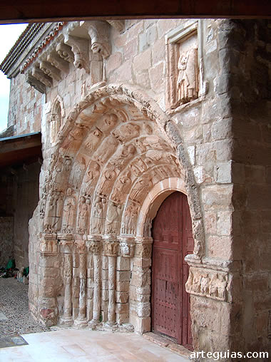 Puerta románica de Santa María del Castillo