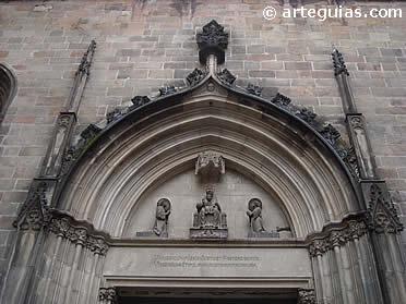 Portada de la iglesia de Sant Just i Sant Pastor de Barcelona