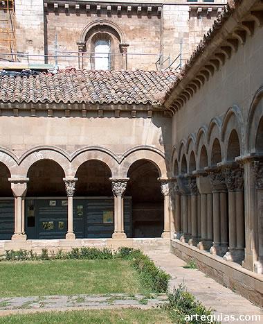 Románico en Navarra: Claustro de la Catedral de Tudela