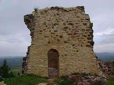 Restos del castillo de Santisteban