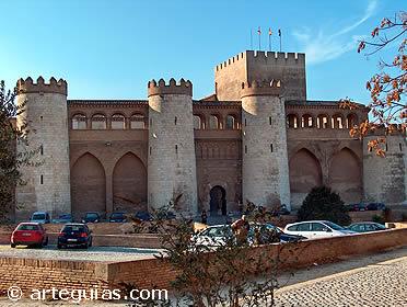 Aspecto exterior del Palacio de La Aljafería