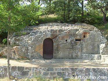 Iglesia rupestre de San Cirpiano de Cadalso