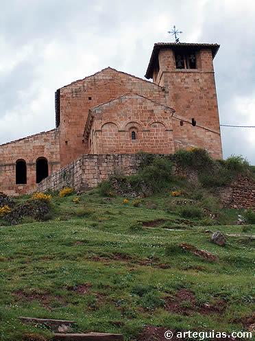 Ermita de San Cristóbal en Canales de la Sierra (La Rioja)