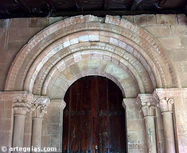 Puerta románica de la ermita